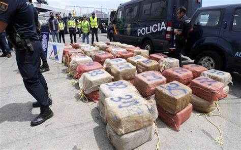 Tugboat In Spanish by Police Seize 1 400 Kilos Of Cocaine From A Tug Boat In