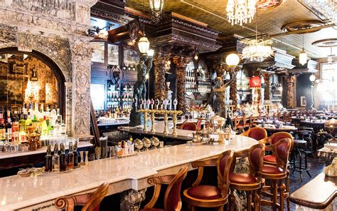 A New Oscar Wildethemed Bar Just Opened In New York City