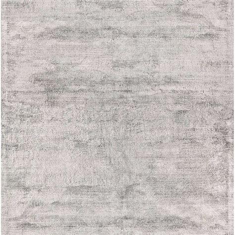 tapis contemporain haut de gamme tapis haut de gamme gris clair en viscose douceur par joseph lebon
