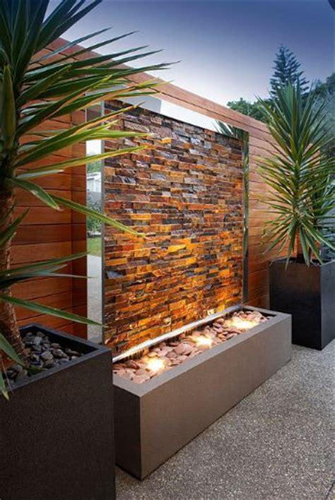mur d eau exterieur design en odzo