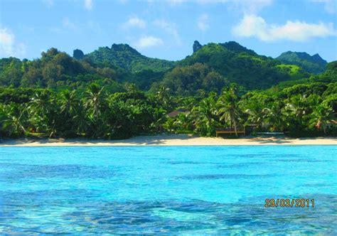 kitchen island with seating for 5 moana sands beachfront villas rarotonga cook islands