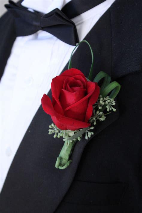 boutonniere rose field flowers