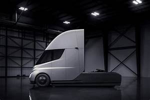 Tesla electric truck: details and pictures by CAR Magazine