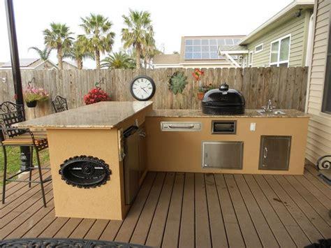hypnotic outdoor kitchen granite countertops  big green egg smoker outdoor cooking