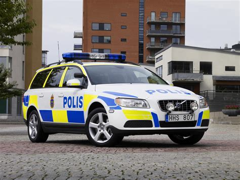 volvo  police car top speed