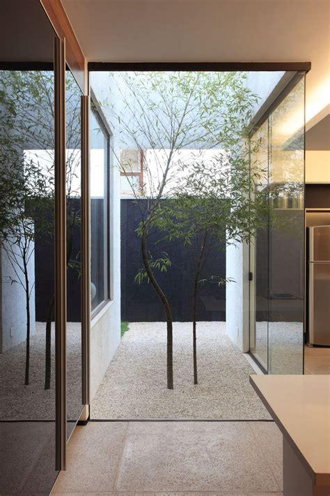 minimal courtyards    hint  nature