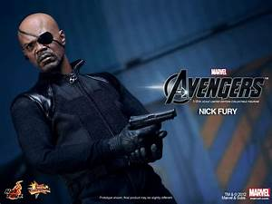Hot Toys Nick Fury Gallery and Avengers Figures Tease ...