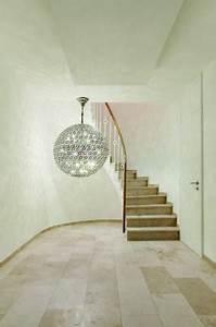 Lampen Für Treppenhaus : zentraler blickpunkt im raum h ngeleuchten ~ Watch28wear.com Haus und Dekorationen
