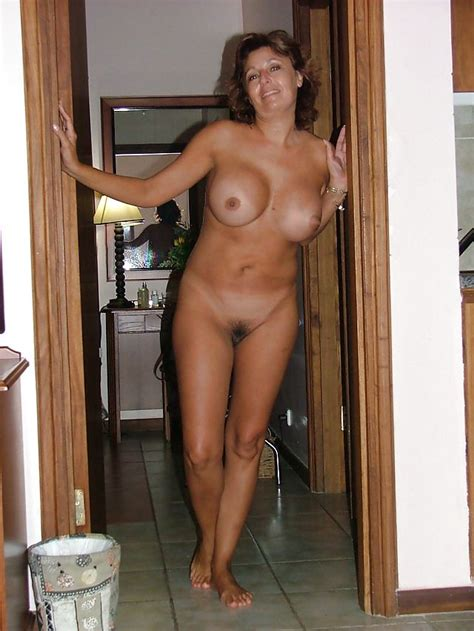 Naked Mature Mom BigTittyLover