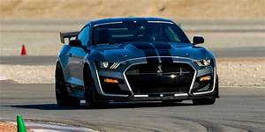 2020 Ford Mustang Shelby GT500 Review | (Pricing, Specs, Review)