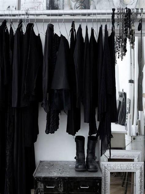 Black Clothes Wardrobe by G 243 Tica Suave No Ver 227 O Saiba Como Lilian Pacce