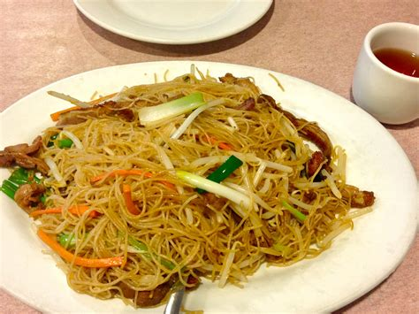 what is the difference between chow mein and lo mein shanghai noodles vs lo mein