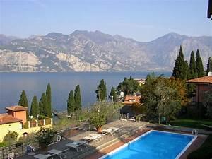 Pool Von Oben : pool von oben hotel capri malcesine holidaycheck venetien italien ~ Bigdaddyawards.com Haus und Dekorationen