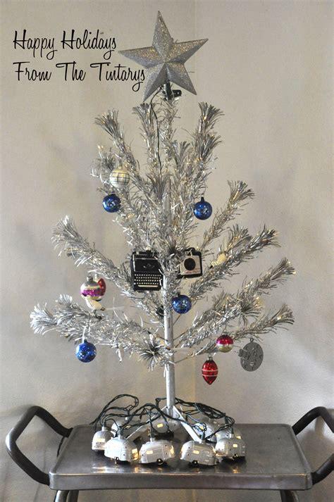 Evergleam Aluminum Christmas Tree Vintage by Tinselmania 221 Vintage Aluminum Christmas Trees Retro