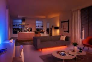 Le Phillips Living Colors by Hue Livingcolors Bloom And Lightstrips Hands On Review