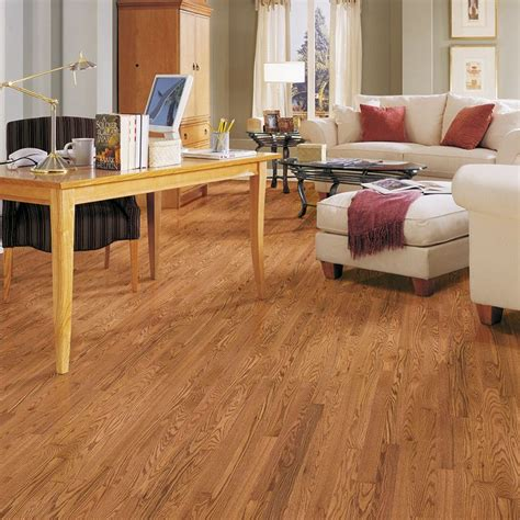 pergo flooring butterscotch oak pergo american era 2 25 in butterscotch oak hardwood flooring 18 25 sq ft lsar42 22 shops