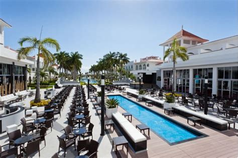 should you visit the renovated renovated riu palace mexico luxedestinationweddings