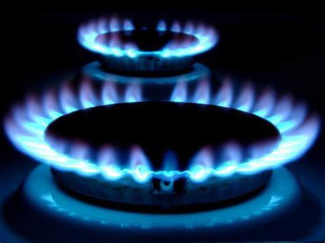 О газе. Полезная статья. Самый распространенный в быту газ это природный газ.