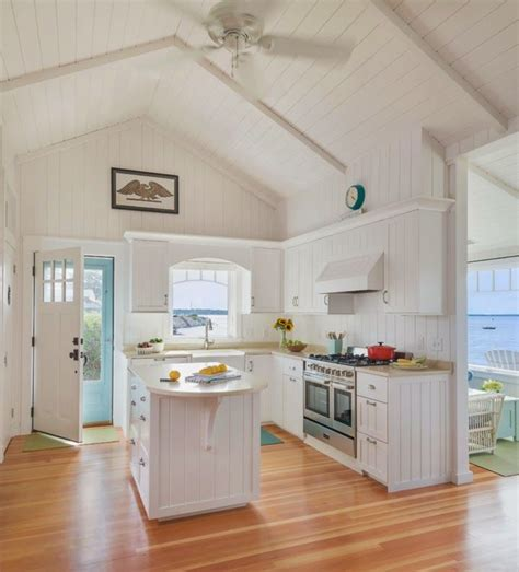 17 Best Ideas About Beach Cottage Kitchens On Pinterest