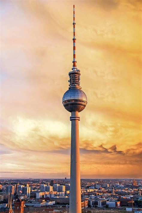 Fernsehturm Berlin by Fernsehturm In Berlin Deutschland Franks Travelbox