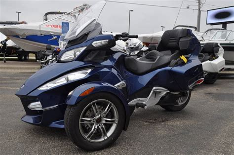 2011 Can-am Spyder Roadster Rt-s Trike Motorcycle From Red