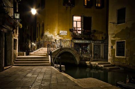Shadows Of Venice Night Walking Tour Venice Legends At Night