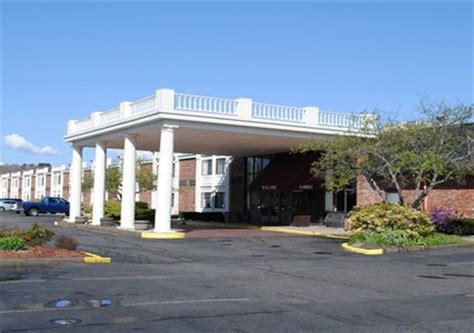 quality inn hotel in mystic ct near mystic aquarium