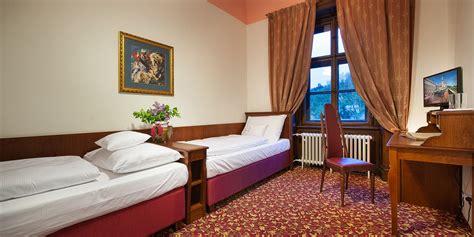 Vierbettfamilienzimmer Mit Aussicht  Ea Schloss Hotel