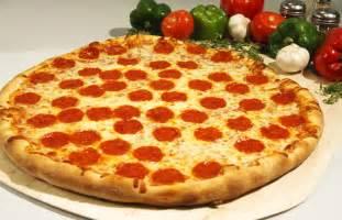 A receita da pizza de Pepperoni e Preparação - Silvio Cicchi