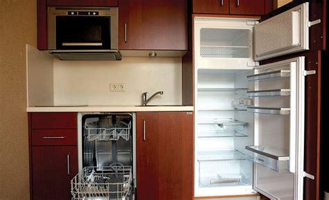 fotos de cocinas pequenas anaqueles de cocina en