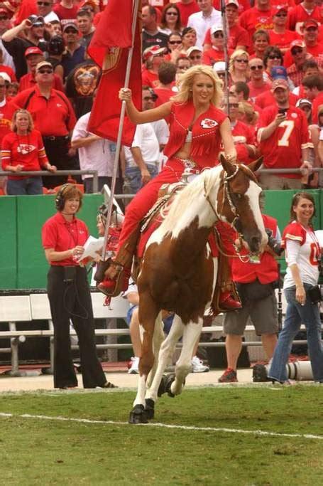 chiefs horse warpaint   press arrowhead pride