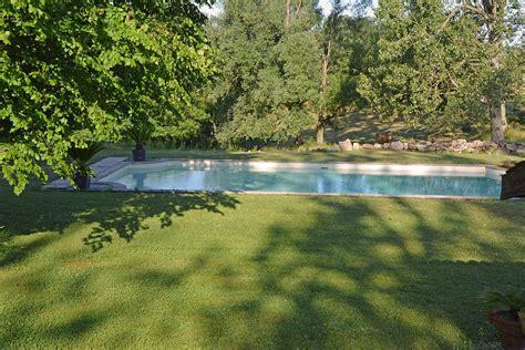 chambres d hotes ardeche avec piscine chambre d 39 hôtes luxe et piscine château du besset ardèche