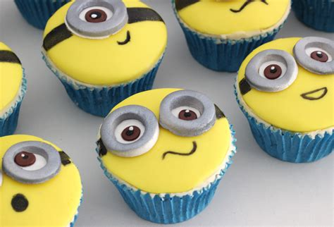 minion cupcakes cakey goodness