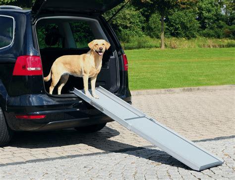 einstiegshilfe fuer hunde hunderampede