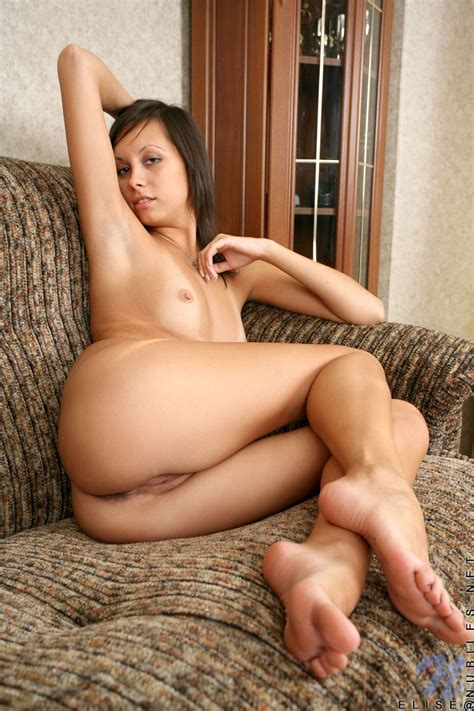 Featuring Nubiles Elise In Posing Naked Babe