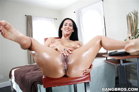 Isis Love Has Her Milf Big Tits Teased And Oiled Cunt