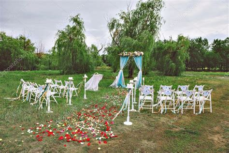 Beautiful Wedding Set Up Wedding Decor On The Lawn