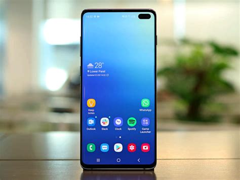 samsung galaxy s10 plus review a premium 2019 flagship with a few compromises tech reviews