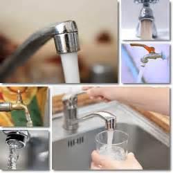 acqua marrone dal rubinetto bere acqua dal rubinetto vitamine proteine