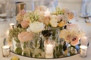 blumen tischgestecke hochzeit hochzeitskerzen romantische warme licht