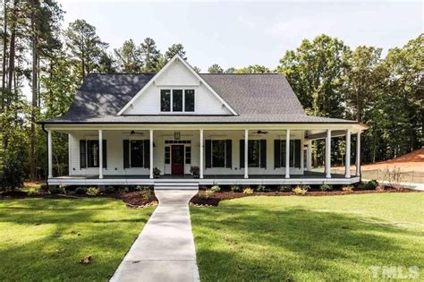 best farmhouse plans best the farmhouse style house plans farmhouses