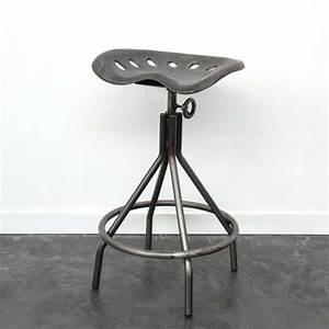 Tabouret Siege Tracteur : tabouret et chaise de bar industriel 27 id es d co ~ Teatrodelosmanantiales.com Idées de Décoration