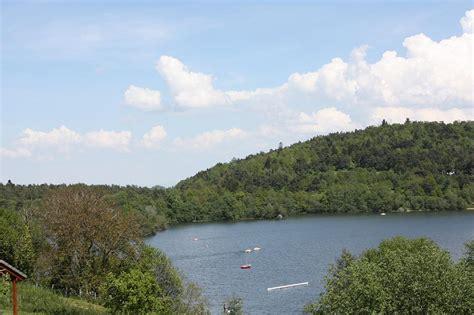 chalet du lac aydat 28 images au cing et chalets du lac d aydat h 233 bergements aydat