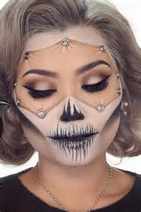 Make Up Decorations by 25 Best Ideas About Scary Doll Makeup On Pinterest