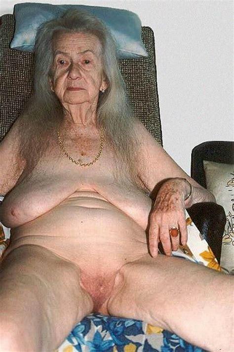 Old Grandma Oma Smoder Porn Pics And Movies