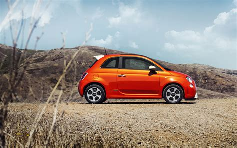 Thanks to its technology, new 500 is safer than ever: Electric Fiat 500e | New cars reviews
