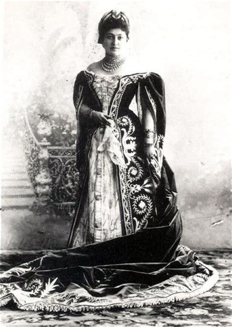 russian court dress lady  waiting   ceremonial