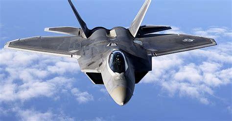 ASV pacēlušas gaisā iznīcinātājus, Sīrijas režīmam veicot ...
