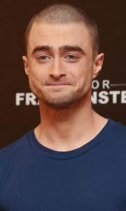 Daniel Radcliffe | POPSUGAR Entertainment  onerror=