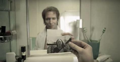 au reflet d un miroir ce gar 231 on voit 233 voluer 226 ge de la plus tendre enfance jusqu 224 la fin